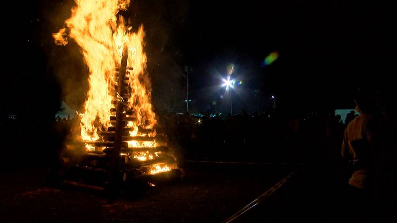 Christmas Eve bonfires on the levees of Louisiana's River Parishes have have been a tradition...
