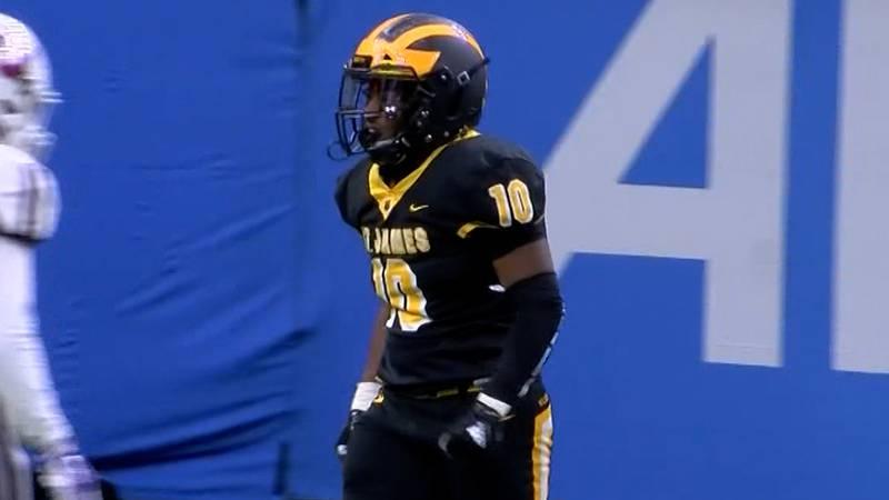 St. James linebacker Kaleb Brown (10)