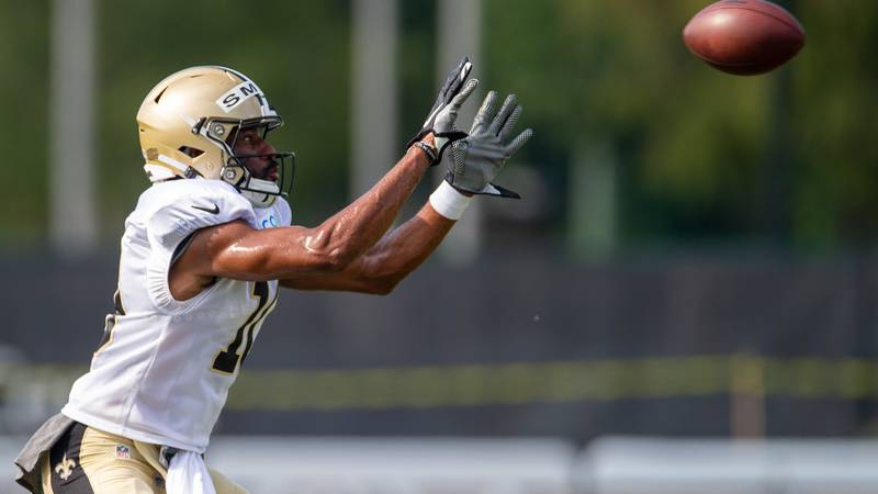 New Orleans Saints wide receiver Tre'Quan Smith (10) catches the ball during an NFL football...