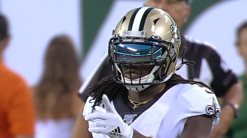 Alvin Kamara points back to Drew Brees after a completion (Gray Television Broadcast)