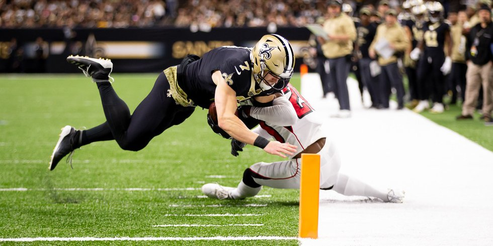 Taysom Hill catches a poass from Drew Brees in the first half. (Source: Mark LaGrange)