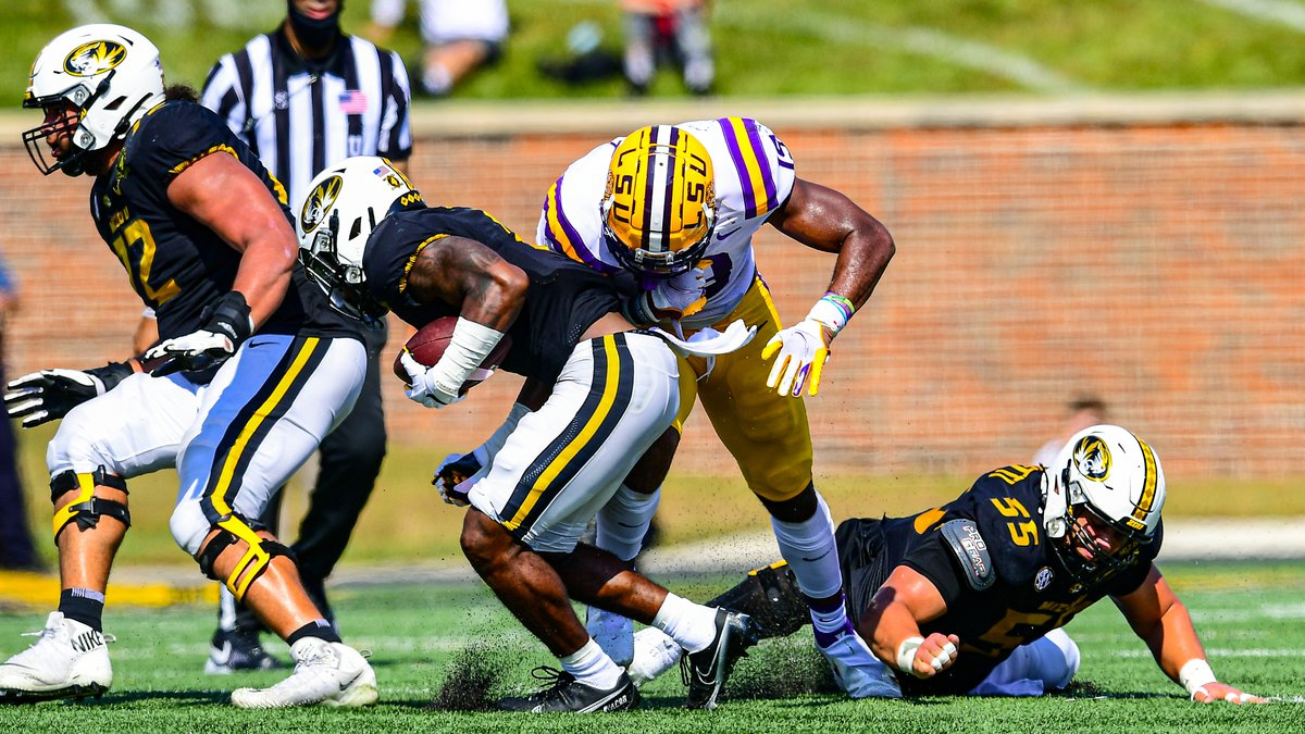 Jabril Cox (No. 19) during the first half of a game between LSU and Missouri at Memorial...