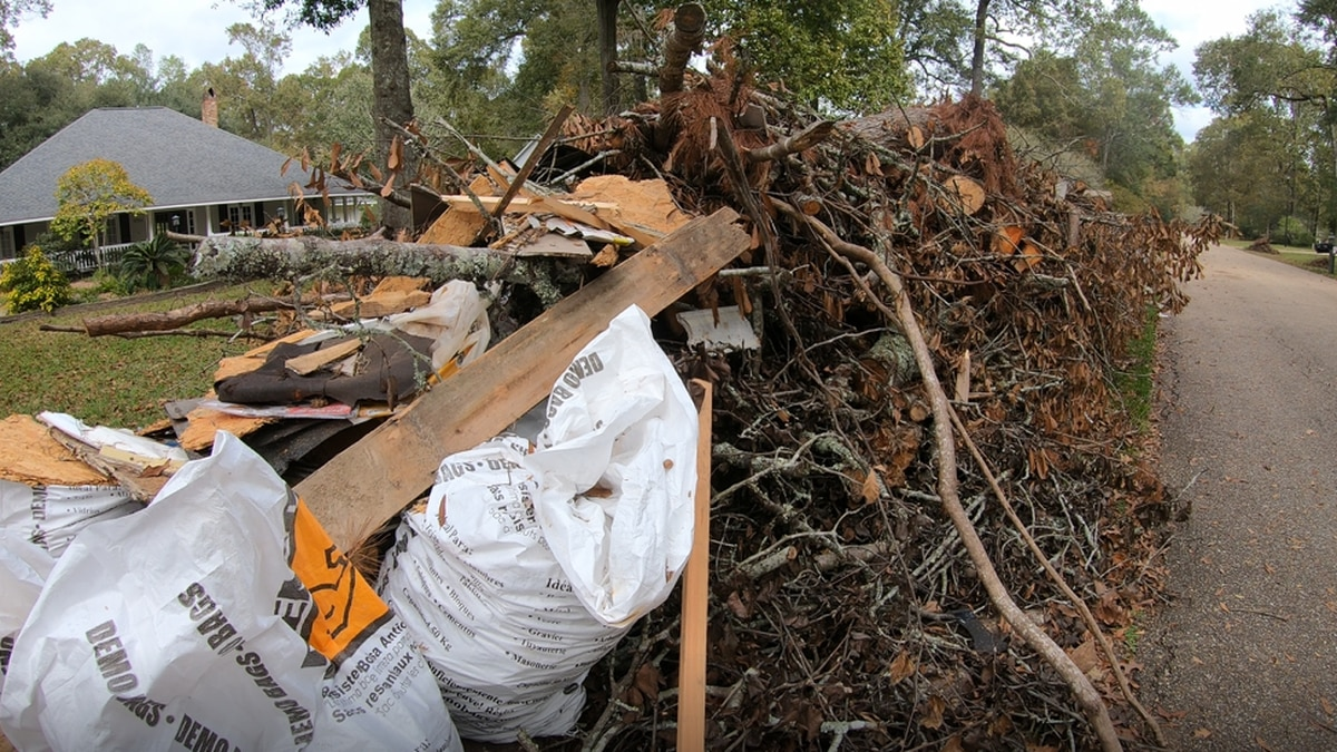 Several residents of East Baton Rouge Parish have reported to WAFB's Donovan Jackson storm...