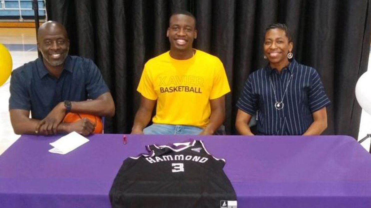 Hammond High Magnet School combo guard Justice Kelly signed with the program yesterday, his...