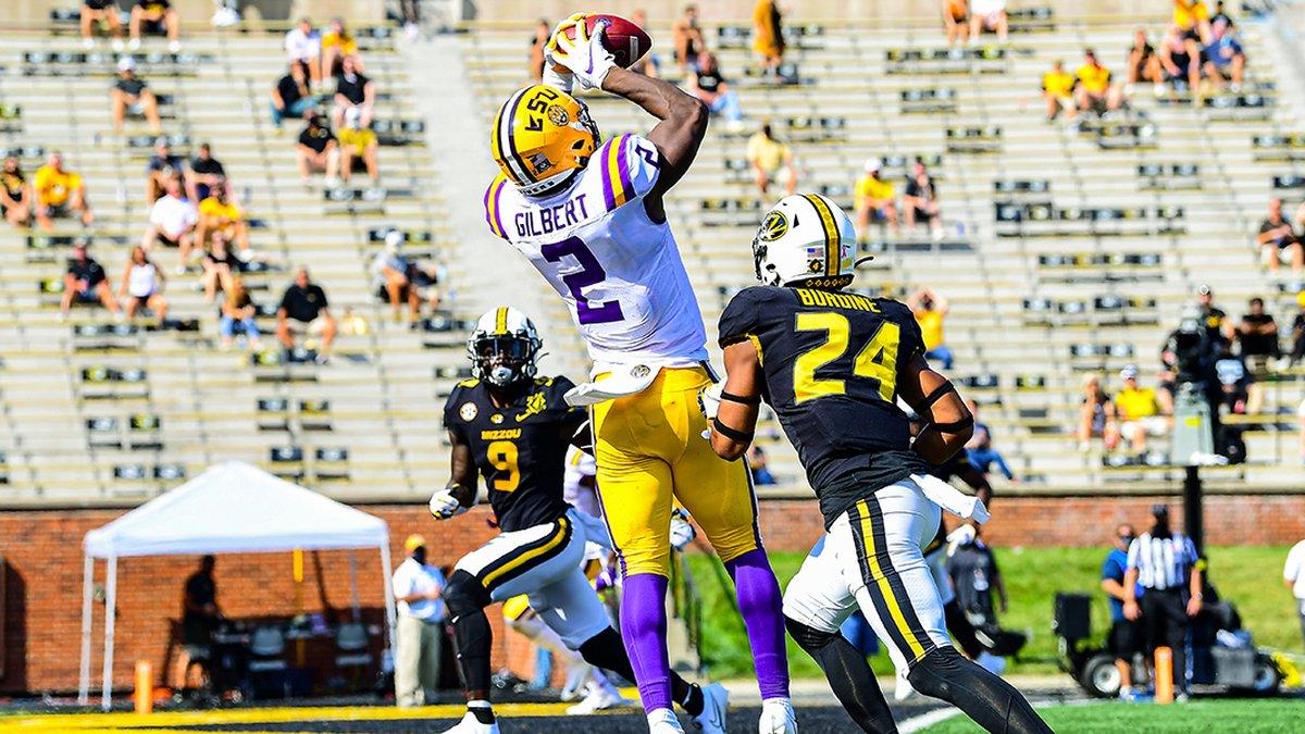 LSU tight end Arik Gilbert (2) scores a touchdown during the first half of a game between LSU...