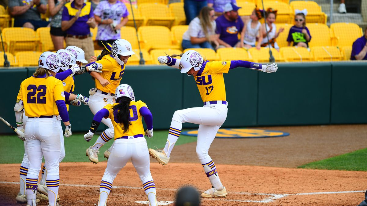 Taylor Pleasants (17) grand slam in the bottom of the sixth inning lifted LSU past Auburn.