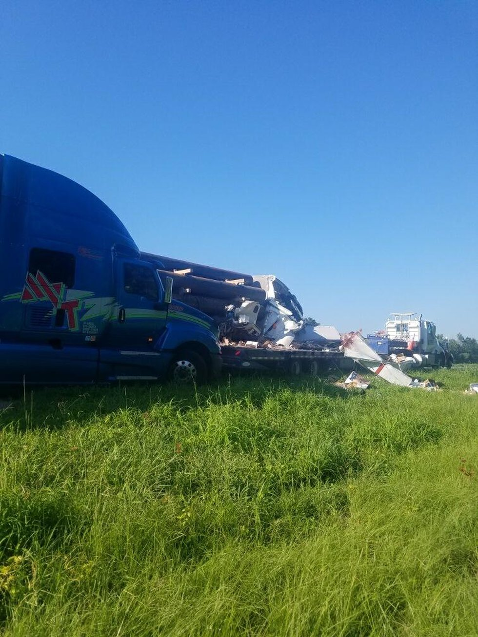 A crash involving four 18-wheelers killed one person Thursday on I-10 West in Grosse Tete.