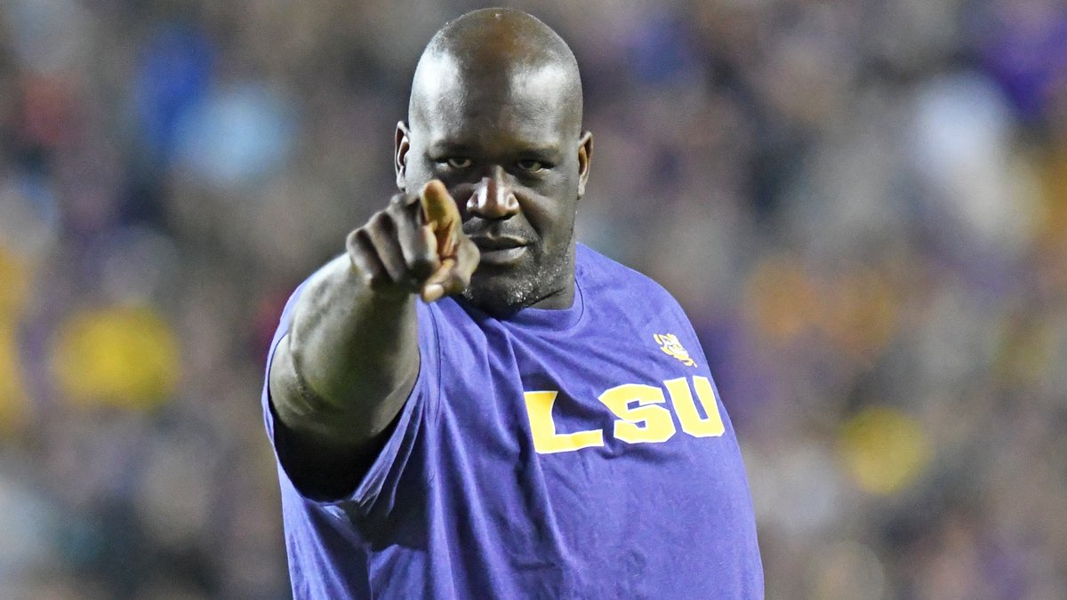Shaquille O'Neal received a loud ovation when he walked in Tiger Stadium during the...