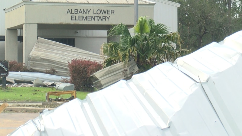 Town of Albany  in Livingston Parish hit hard by Hurricane Ida, shelter supposedly opening...