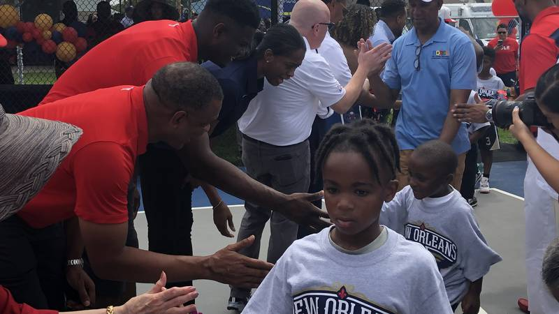 Zion Williamson greets kids in New Orleans East (Source: FOX 8 photo)