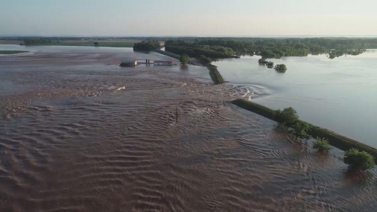 Dardanelle levee breach (Source: Yell County Sheriff's Office/CNN)