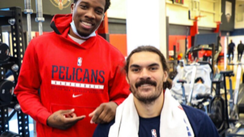 Eric Bledsoe and Steven Adams hang out in the Pelicans locker room. (Source: New Orleans...