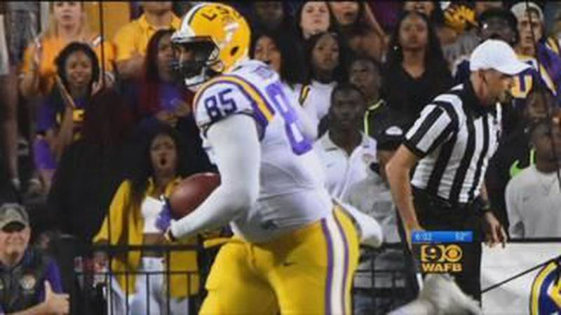 LSU football player stabbed during fight at Baton Rouge bar