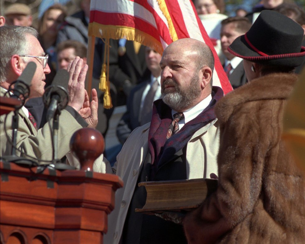 Mike Foster takes the Oath of Office to become Louisiana's Governor Monday Jan. 8, 1996 in...