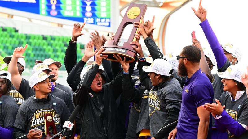 LSU Men's Track and Field win the 2021 NCAA Outdoor National Title.